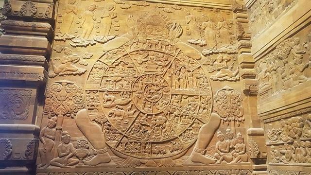 Đấu giá thiên thạch mặt trăng, đại gia xây chùa lớn nhất Việt Nam - 10