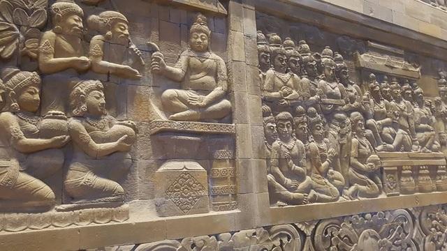 Đấu giá thiên thạch mặt trăng, đại gia xây chùa lớn nhất Việt Nam - 9