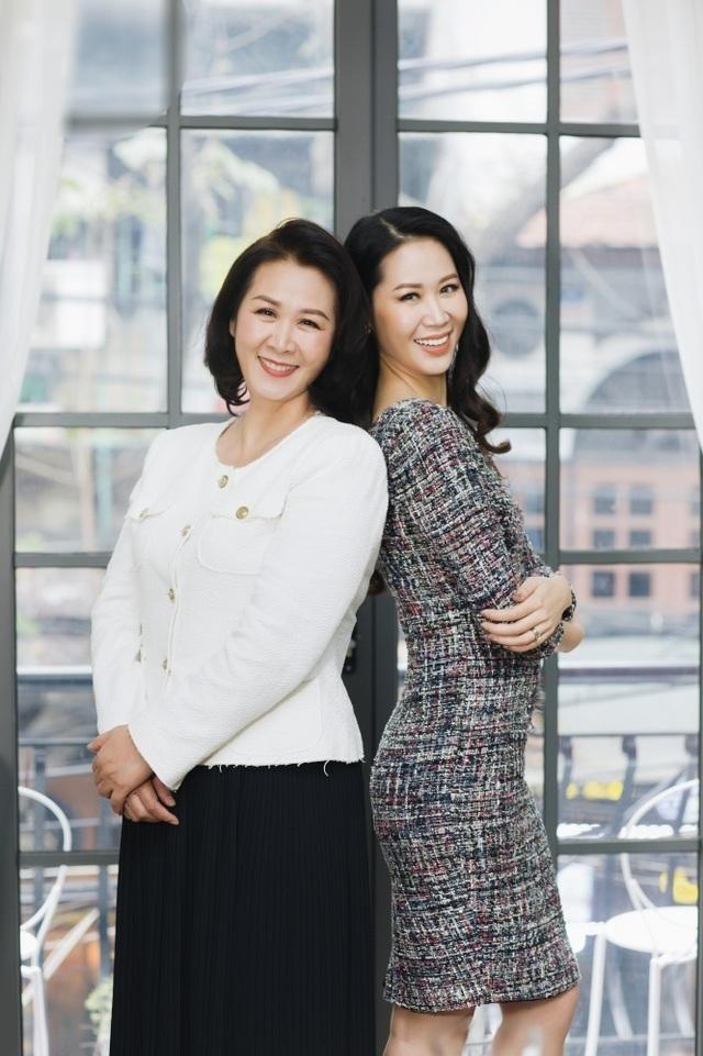 Hoa hậu Dương Thuỳ Linh tiết lộ về mẹ ruột là Phó Giáo sư - Tiến sĩ - 10