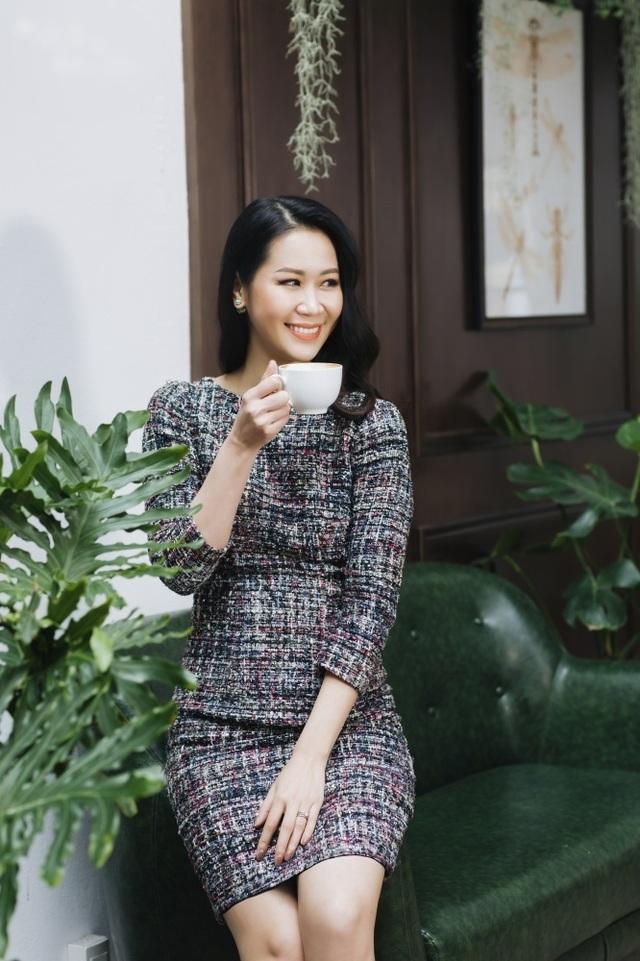Hoa hậu Dương Thuỳ Linh tiết lộ về mẹ ruột là Phó Giáo sư - Tiến sĩ - 13