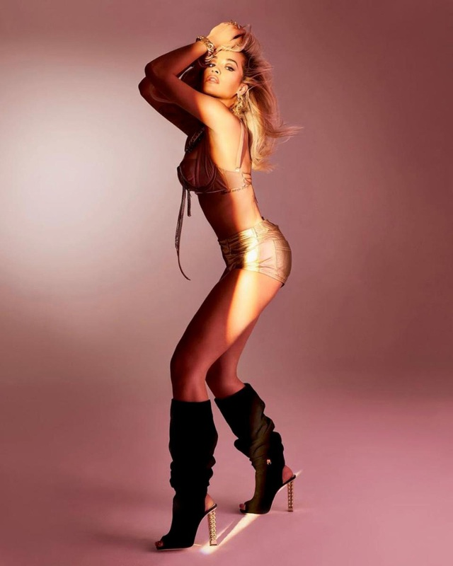 Rita Ora bốc lửa trong bộ ảnh mới - 2