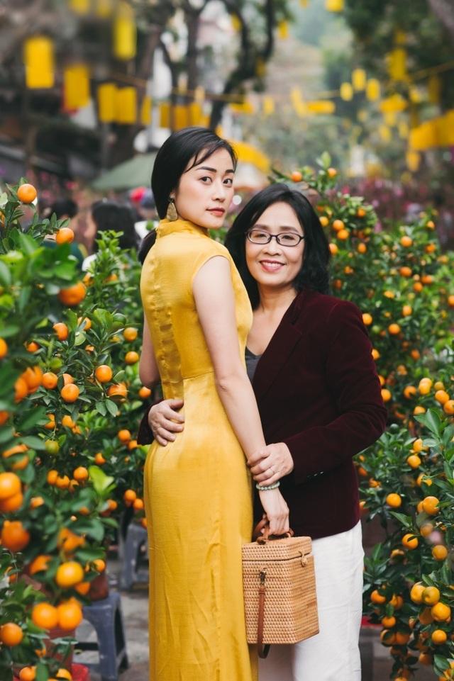 Xúc động những cuộc đoàn viên của dàn mỹ nhân Việt với mẹ đầu xuân mới - 3