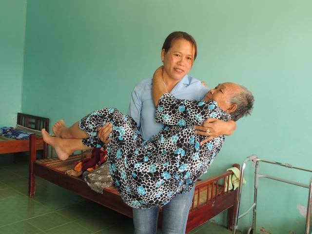 Tết ấm lòng của người già neo đơn và trẻ mồ côi - 3