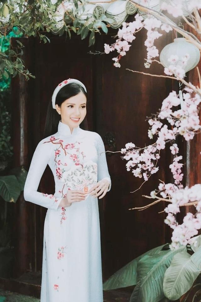 Hoa khôi Sinh viên Cần Thơ chúc năm mới Kỷ Hợi 2019 đến độc giả Dân trí - 3