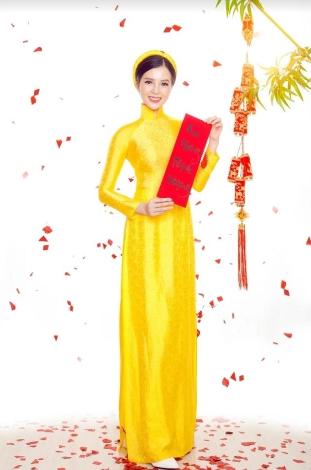 Hoa khôi Sinh viên Cần Thơ chúc năm mới Kỷ Hợi 2019 đến độc giả Dân trí - 2