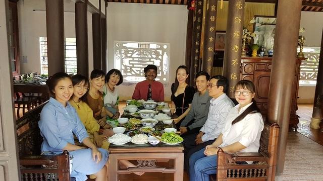 Người dân Huế, Đắc Lắc đến chùa cầu an mùng 1 Tết - 6