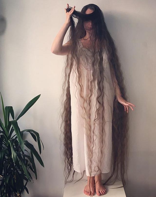 Cô gái tóc siêu dài không gội đầu suốt 20 năm - 1