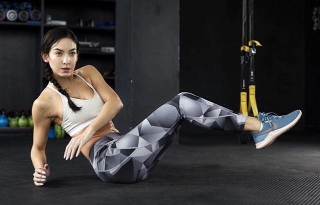 3 nữ hoàng fitness Thái Lan khiến mày râu muốn dọn nhà đến ở phòng tập - 10