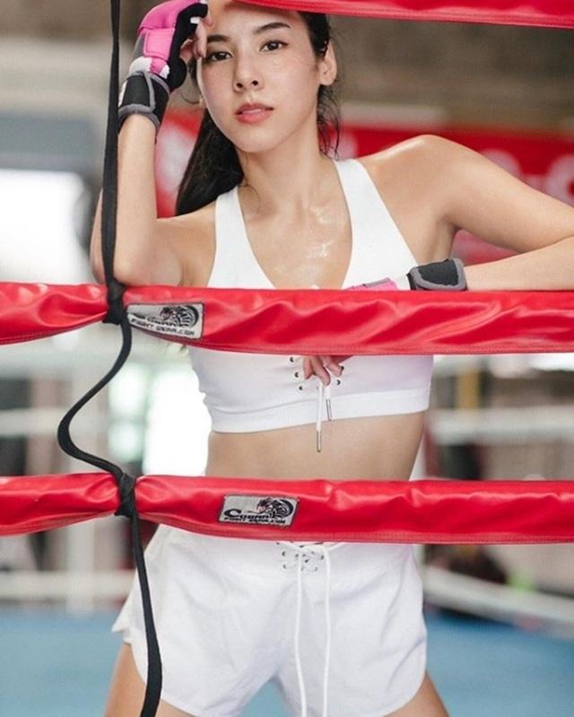 3 nữ hoàng fitness Thái Lan khiến mày râu muốn dọn nhà đến ở phòng tập - 18