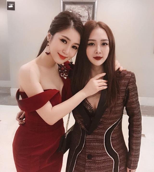 Em họ Hương Tràm: Thích mặc mốt giấu quần, trẻ đẹp gợi cảm không kém chị - 1