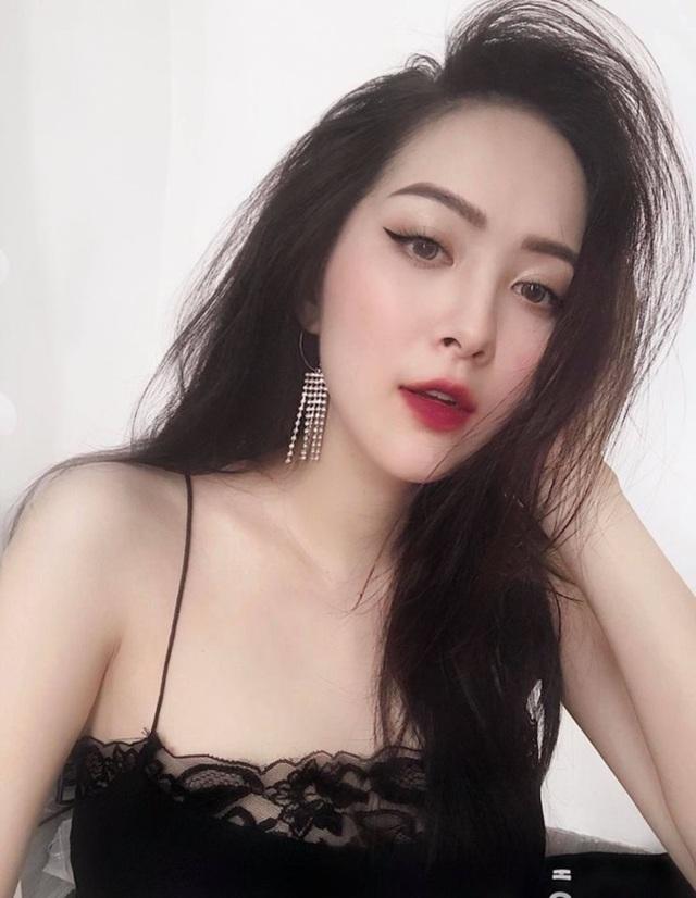 Em họ Hương Tràm: Thích mặc mốt giấu quần, trẻ đẹp gợi cảm không kém chị - 2..jpg