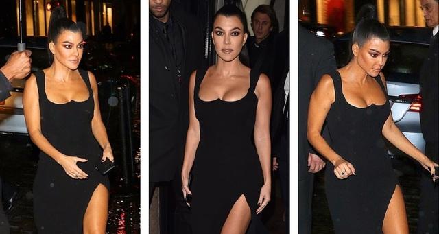 Kinh ngạc với váy hở bạo của chị em Kardashian - 5