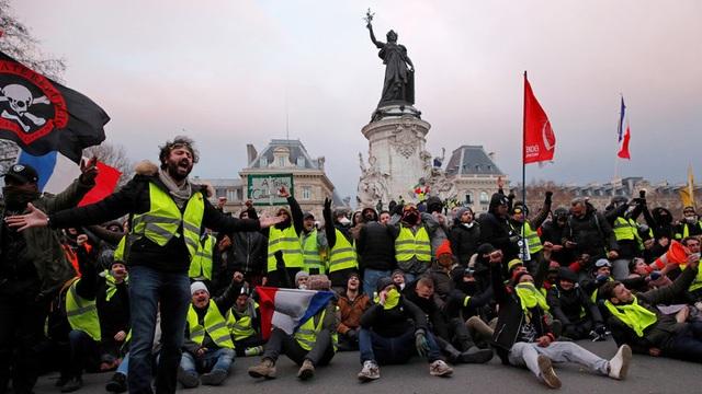 Phó Thủ tướng Italy gặp lãnh đạo biểu tình Áo vàng, Pháp triệu hồi đại sứ tại Rome - 1