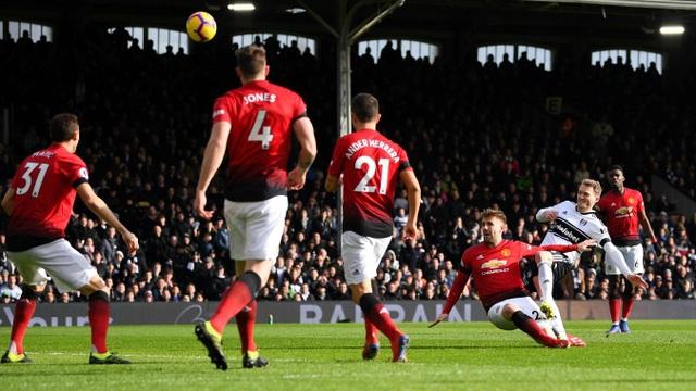 Fulham 0-3 Man Utd: Cú đúp của Pogba - 10