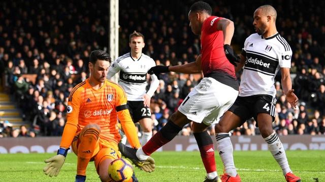 Fulham 0-3 Man Utd: Cú đúp của Pogba - 4