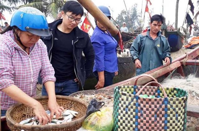 """Thanh Hoá: Ngư dân đón """"lộc biển"""" đầu năm - 6"""