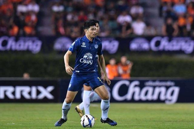 Đương kim vô địch Thái Lan