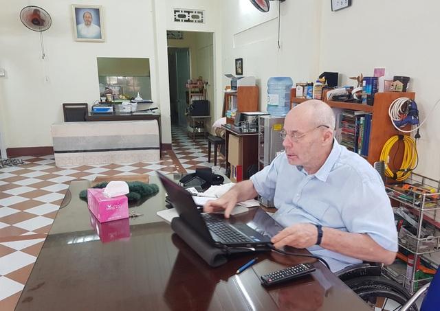 Ông giáo Mac Dougall, 10 năm dạy tiếng Anh miễn phí cho học sinh tại Việt Nam - 1