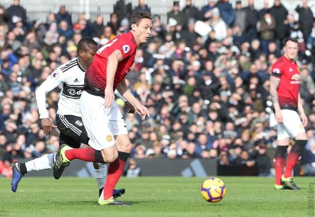 Fulham 0-3 Man Utd: Cú đúp của Pogba - 3