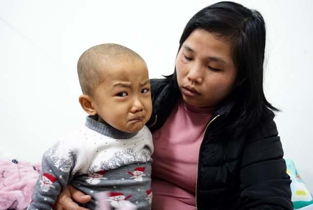 Tiếng khóc xé lòng của bé 5 tuổi liên tục 3 năm chống chọi với bệnh ung thư - 4