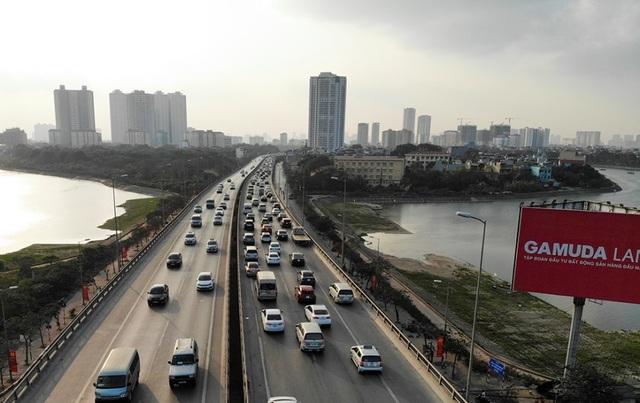 Đoàn xe ùn tắc hàng km ở cửa ngõ Hà Nội - 2