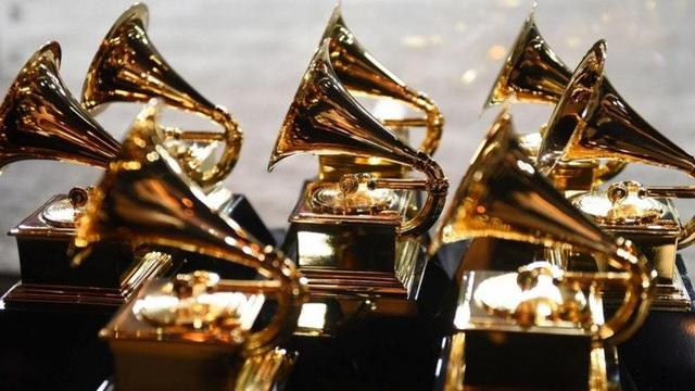 Người đẹp lộng lẫy váy áo trên thảm đỏ Grammy 2019 - 5