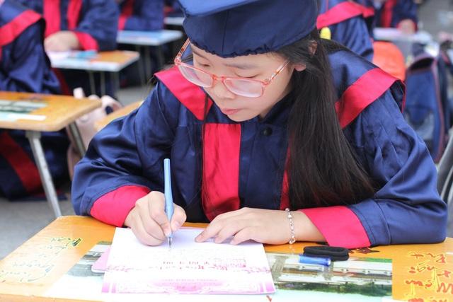 Hơn 500 học sinh giỏi dự lễ khai bút đầu xuân tại khu tưởng niệm vương triều Mạc - 6