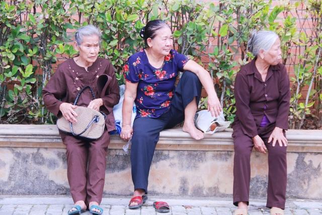 khách chùa bái đính 6.JPG