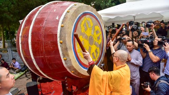 50.000 du khách đổ về chùa Hương ngày khai hội - 7