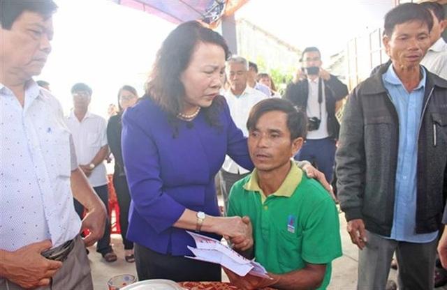 Quảng Nam: Bộ Giáo dục tới viếng, thăm hỏi gia đình học sinh đuối nước - 1
