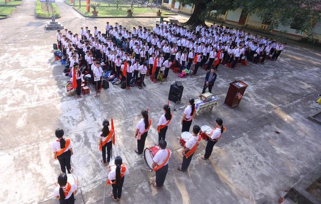 Buổi chào cờ đầu năm tại trường THCS Nguyễn Duy Hiệu