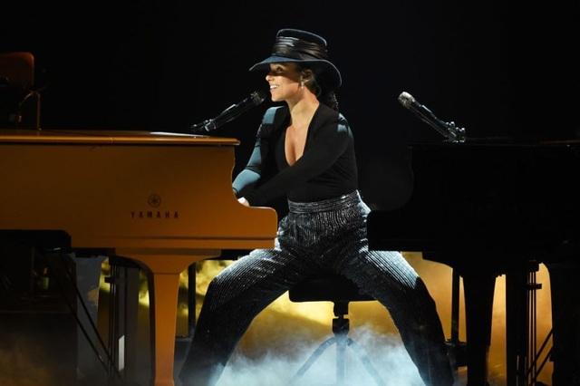 Dua Lipa, Lady Gaga, Cardi B được vinh danh tại lễ trao giải Grammy 2019 - 15
