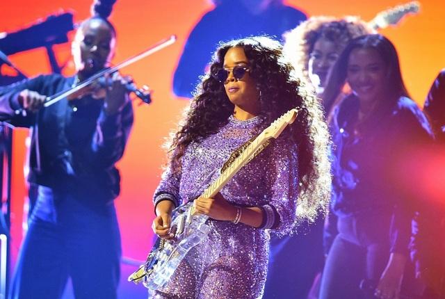 Dua Lipa, Lady Gaga, Cardi B được vinh danh tại lễ trao giải Grammy 2019 - 12
