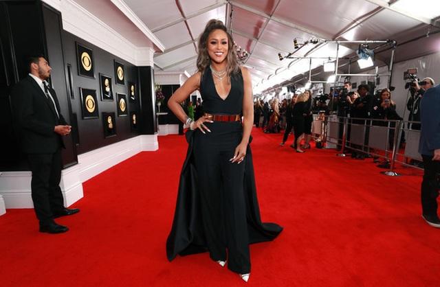 Người đẹp lộng lẫy váy áo trên thảm đỏ Grammy 2019 - 32
