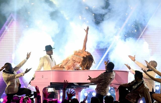 Dua Lipa, Lady Gaga, Cardi B được vinh danh tại lễ trao giải Grammy 2019 - 7