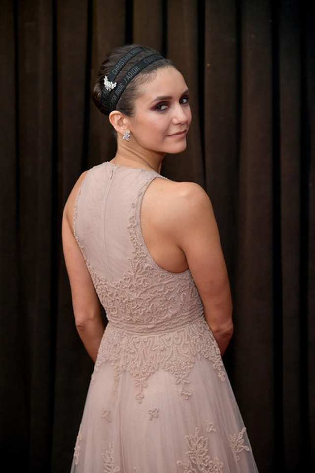 Người đẹp lộng lẫy váy áo trên thảm đỏ Grammy 2019 - 18