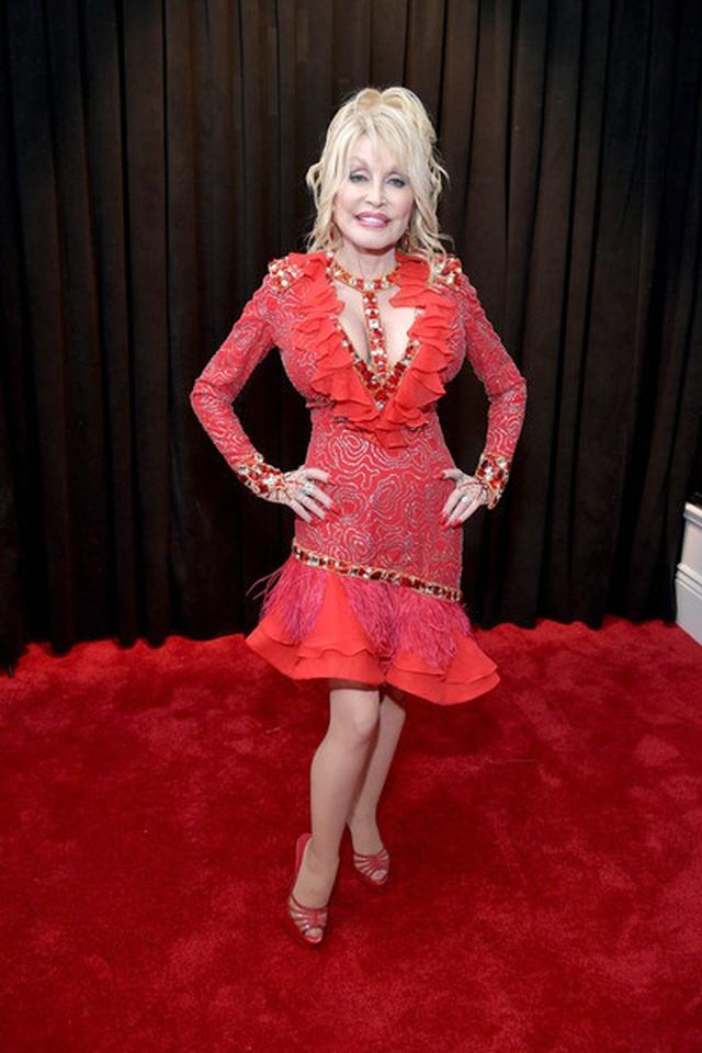 Người đẹp lộng lẫy váy áo trên thảm đỏ Grammy 2019 - 31