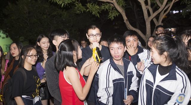"""Học sinh trường Phan """"cháy"""" hết mình trong dạ hội đón Xuân mới - 9"""