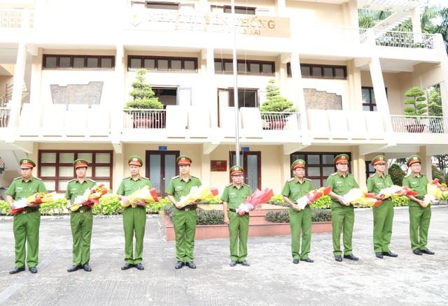 Bộ Công an khen thưởng các đơn vị phá nhanh vụ cướp tại trạm thu phí - 1