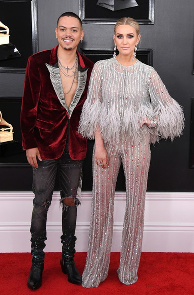 Ashlee+Simpson+61st+Annual+Grammy+Awards+Arrivals+DvER0_UY4FWl.jpg