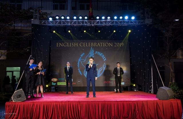 """Học sinh chuyên Khoa học Tự nhiên chứng tỏ bản lĩnh """"đa tài"""" qua English Celebration 2019 - 3"""
