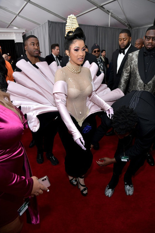 Cardi+B+61st+Annual+Grammy+Awards+Red+Carpet+I7_yTDk9ACSl.jpg