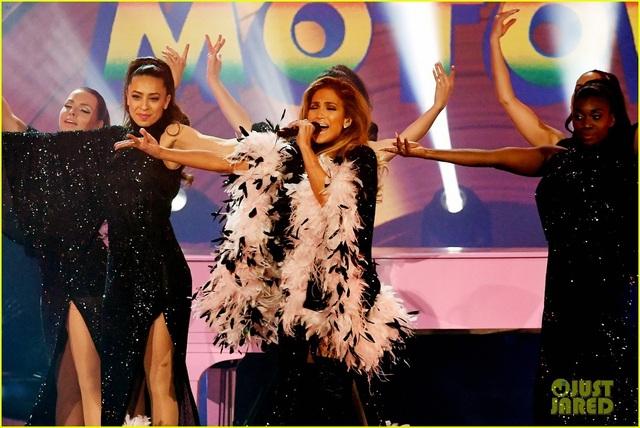 Jennifer Lopez bốc lửa trên sân khấu Grammy 2019 - 6