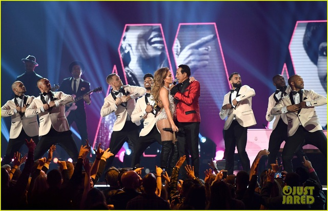 Jennifer Lopez bốc lửa trên sân khấu Grammy 2019 - 15