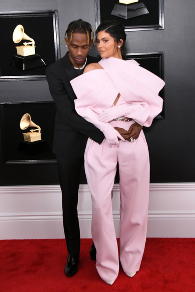 Người đẹp lộng lẫy váy áo trên thảm đỏ Grammy 2019 - 55