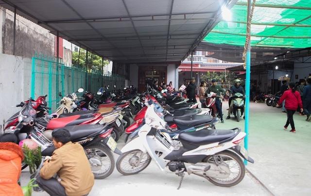 Hàng vạn người đổ về phiên chợ mua may bán rủi ở Nam Định - 8