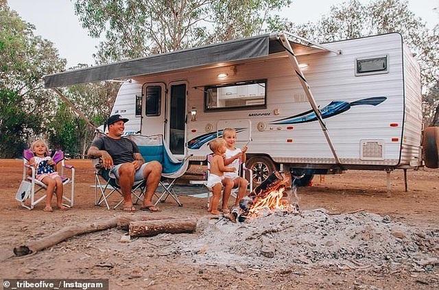 Cả gia đình sống chật vật sau 1 năm chỉ biết tới việc du lịch ở khắp nơi - 4