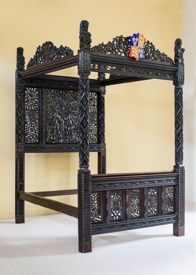 Giường của Vua Henry VII vô tình được dùng ở khách sạn trong 15 năm - 2