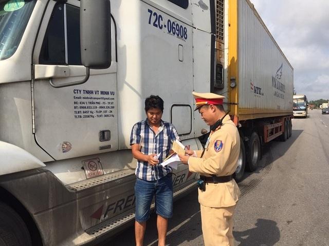 2 ngày xử phạt hơn 140 phương tiện vi phạm giao thông - 2