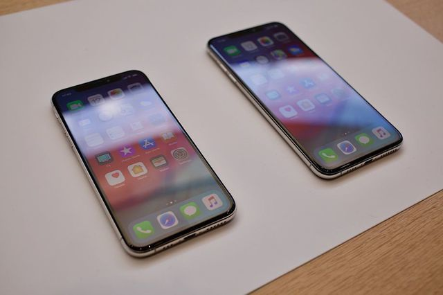 iphone-xs-1-153678281302358807927.jpg